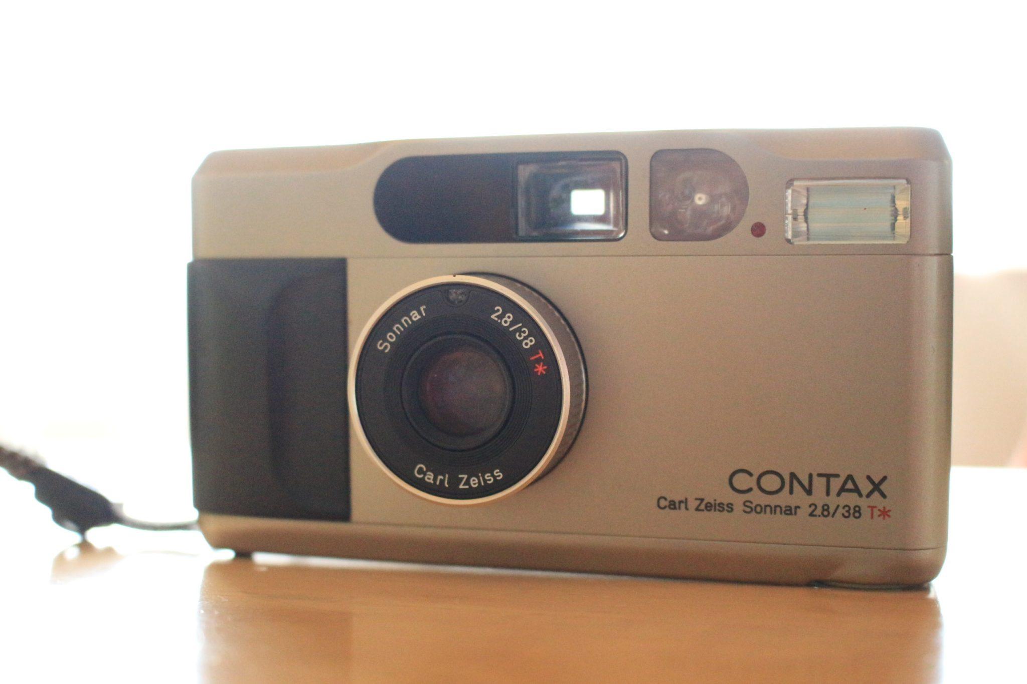 コンタックスT2を手に入れたんですが、このカメラかなり人気みたい。