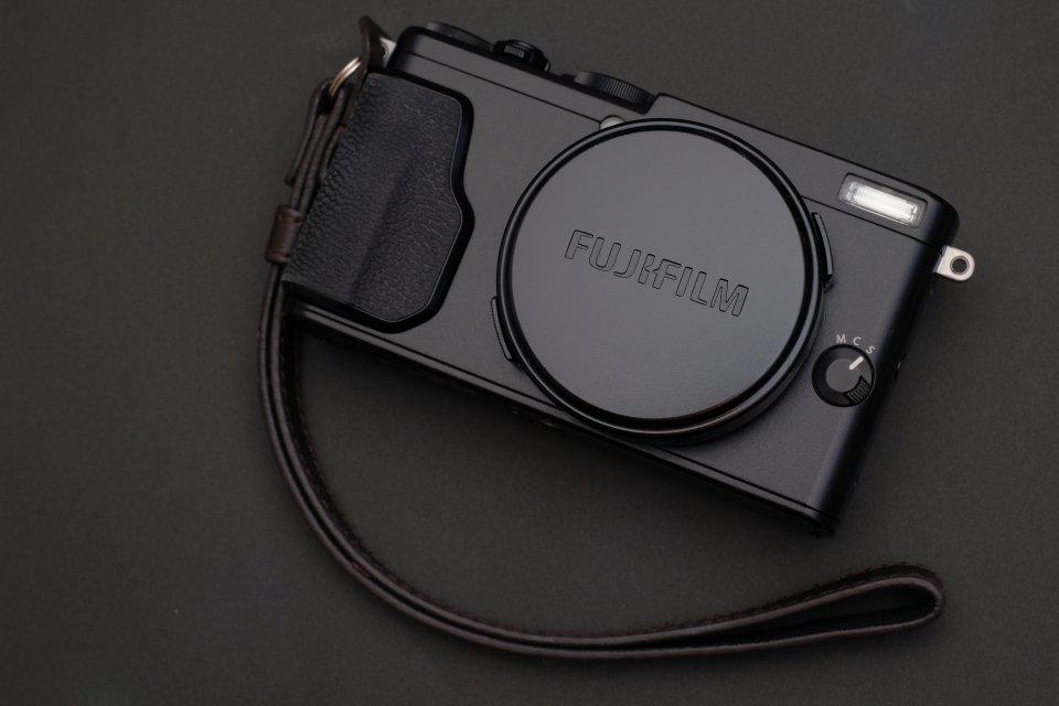 【レビュー】富士フイルムX70は「高画質」と「コンパクトさを両立した単焦点コンデジ